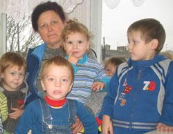 Вихователь - помічник і захисник трирічних дітей